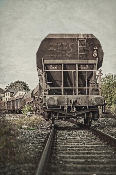ein Güterwagon von hinten