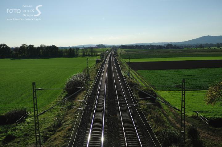 Schienen durchqueren den sog. Gottesgarten